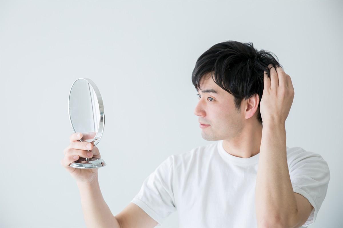 薄毛の方が気になる抜け毛の原因